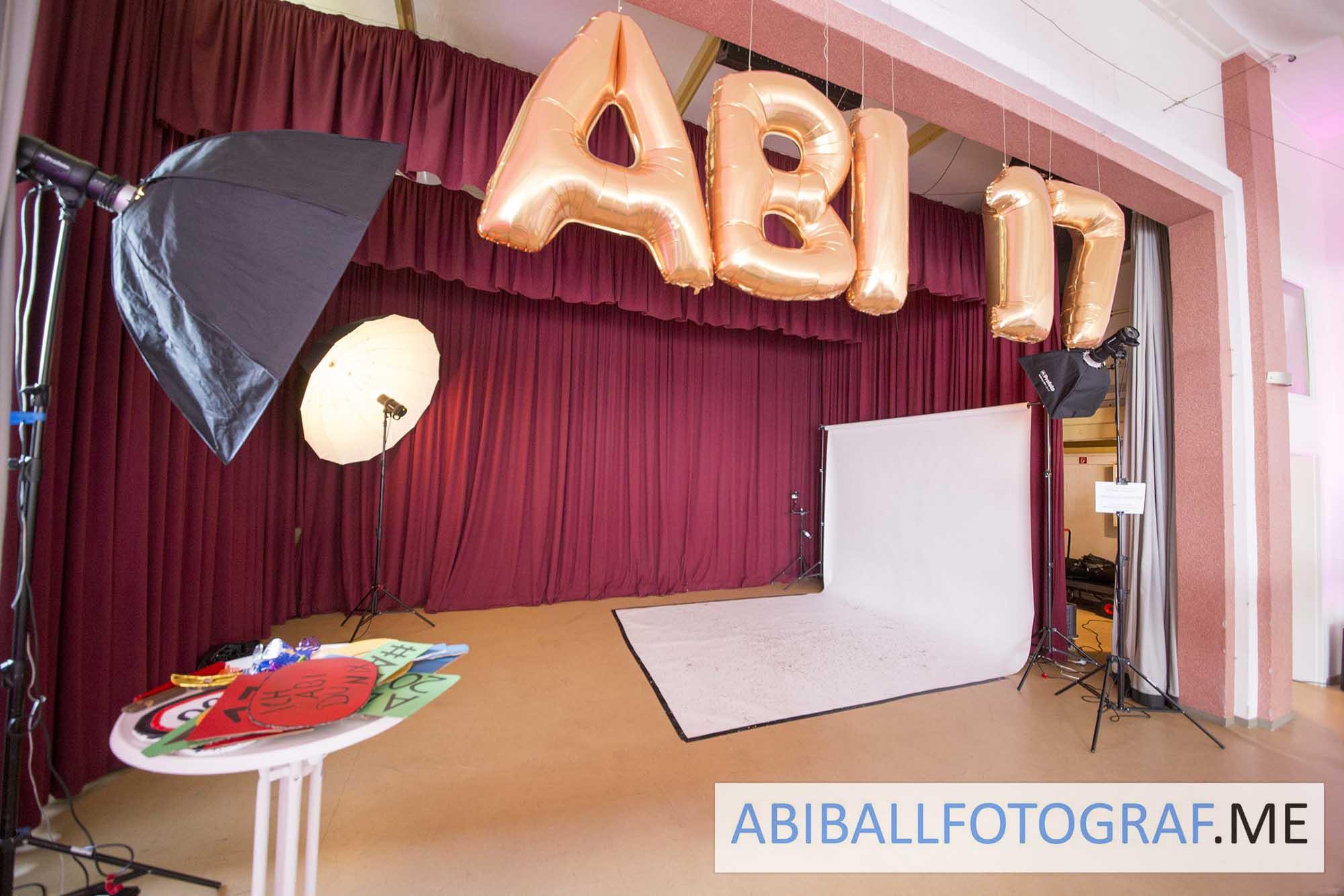 Das Mobile Fotostudio ermöglicht das Fotografieren unter den besten Bedingungen. Die Abiballfotos werden das Highlight eures Balls.